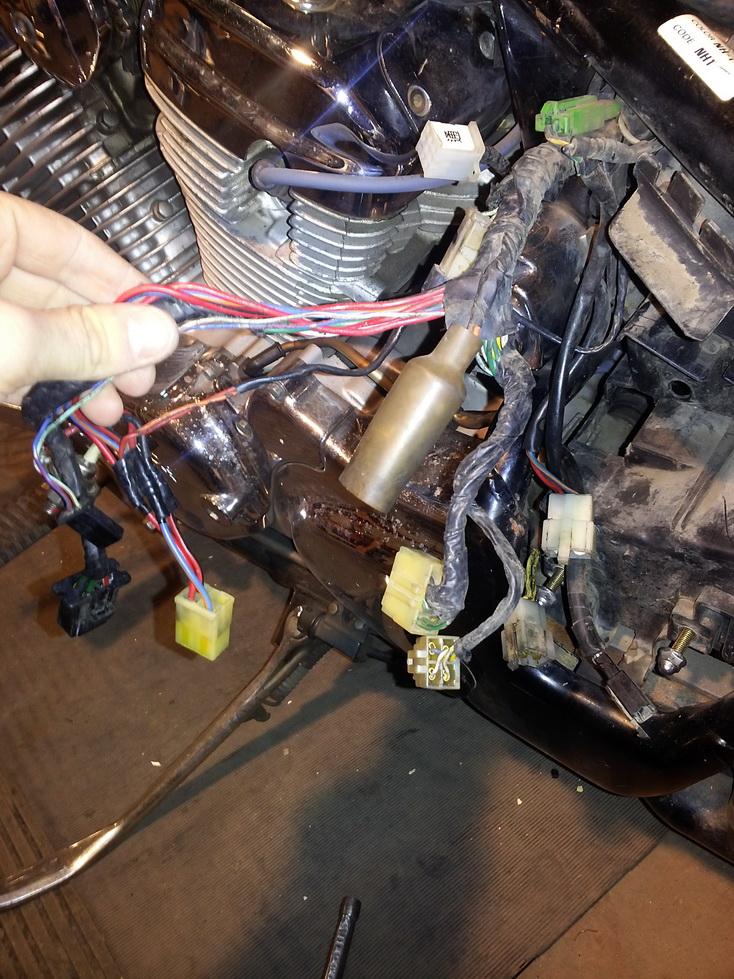 Вот так выглядела электропроводка до начала работы.