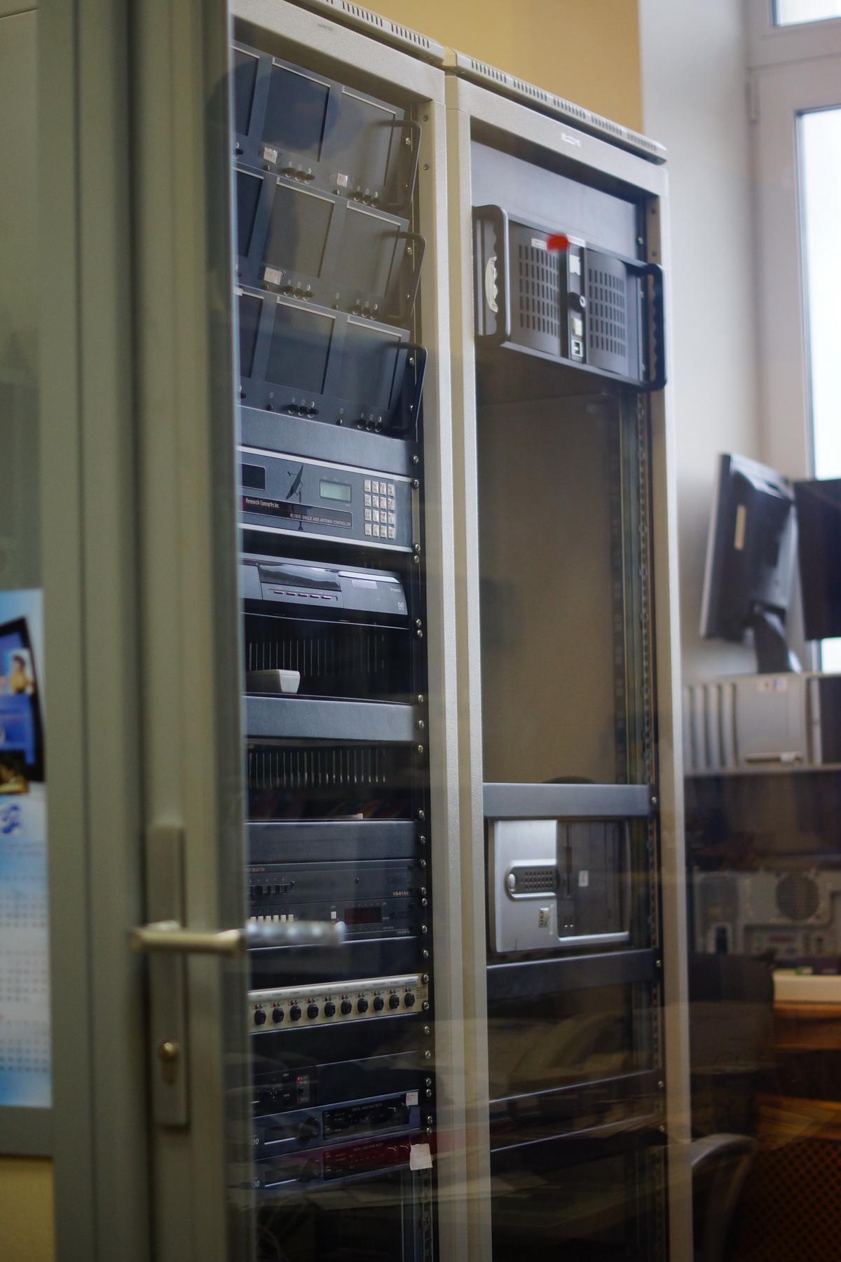 Ещё одна серверная, прямо в моём кабинете